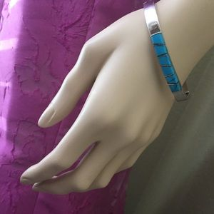 Jewelry - Silver Turquoise Clusters Bangle Bracelet